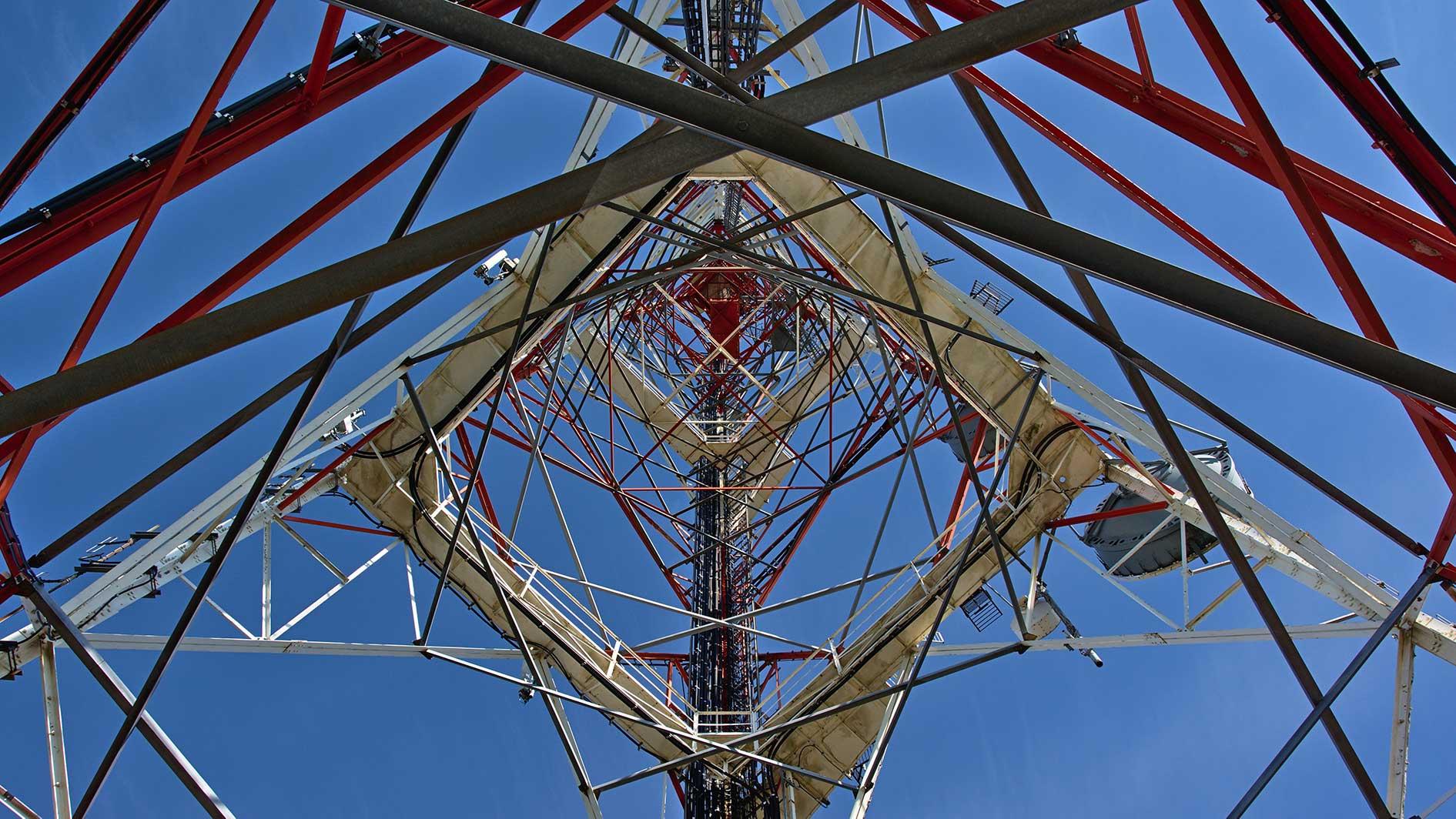 Pylone de telecommunications