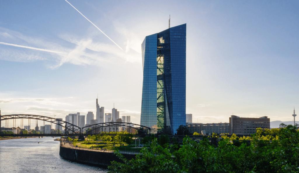 gratte-ciel de la banque centrale européenne à Francfort