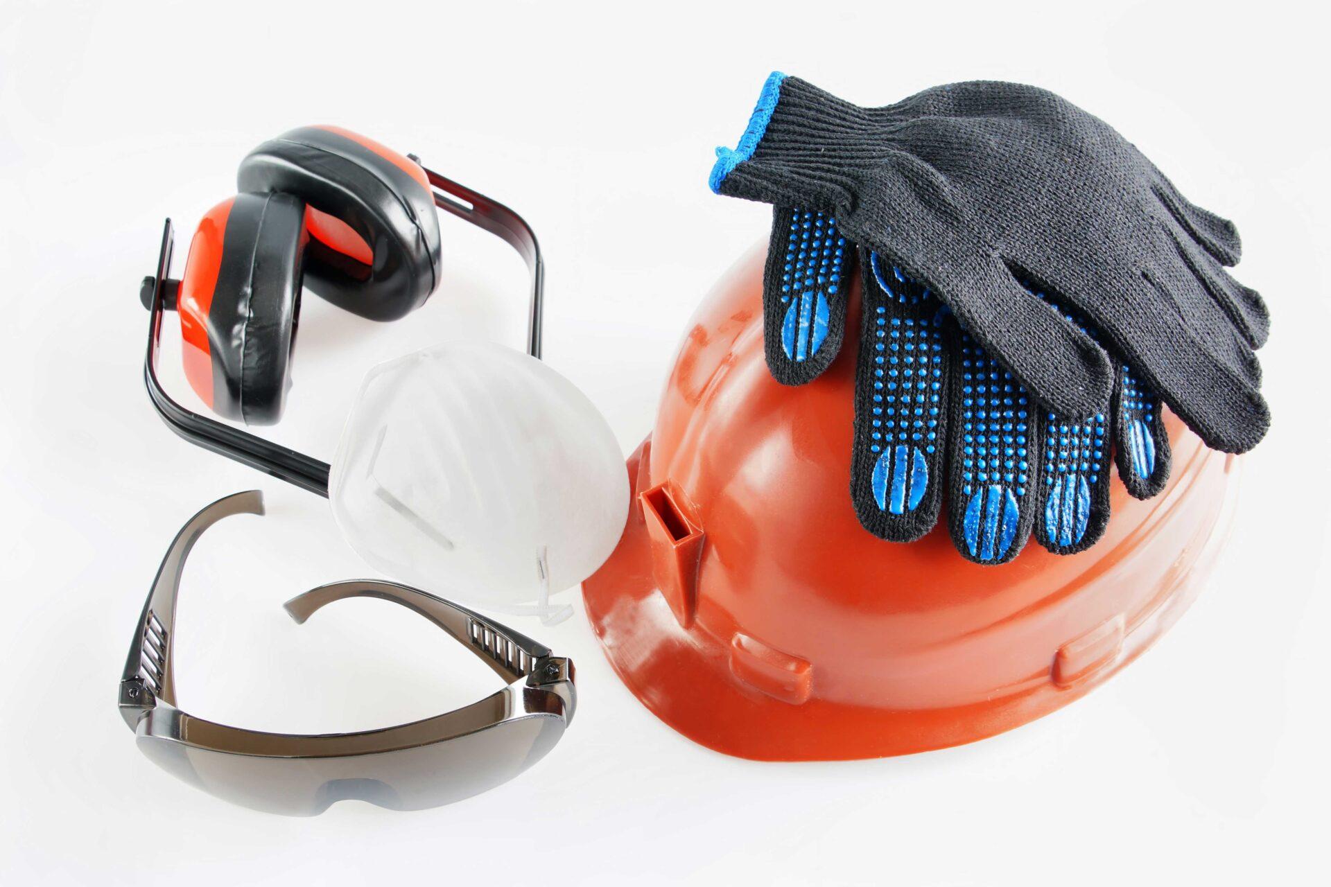 Secteur des EPI en Allemagne soit des équipements de protection de chantier avec un casque, des gants, des lunettes de protection et un casque anti-bruit
