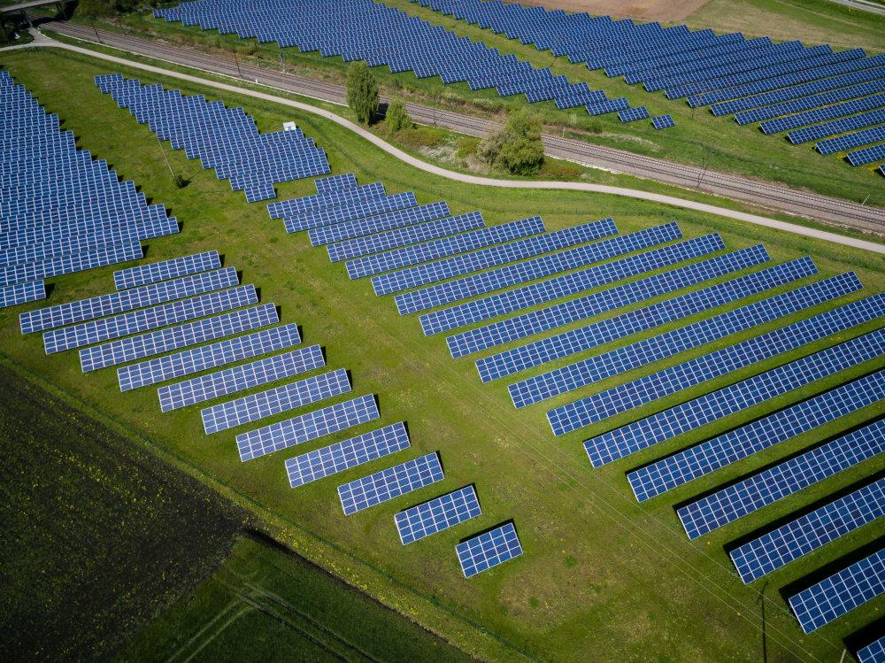 Champ de panneau solaire pour une énergie renouvelable dans le Secteur de l'énergie allemand