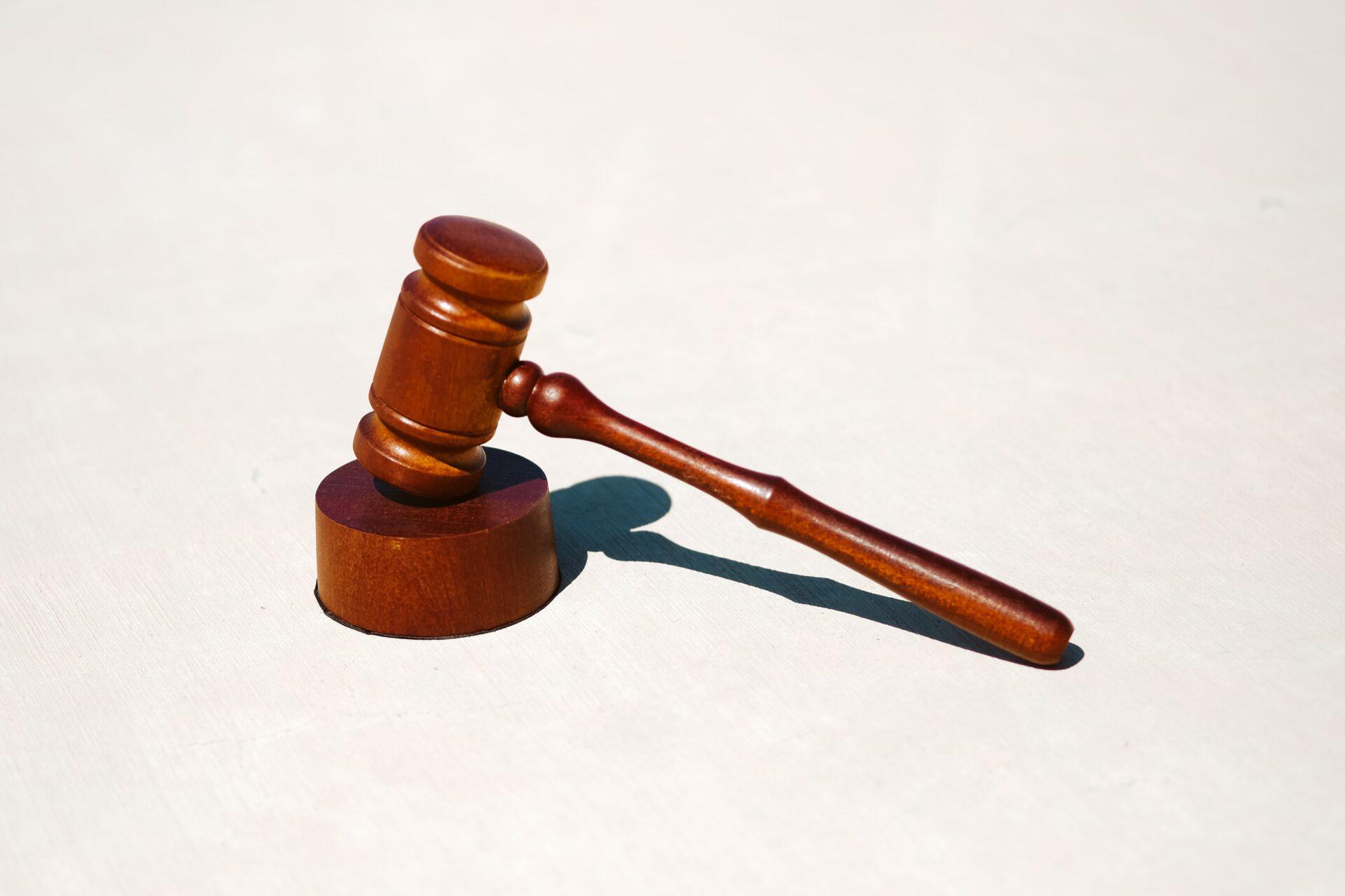 maillet de juge symbole de la justice