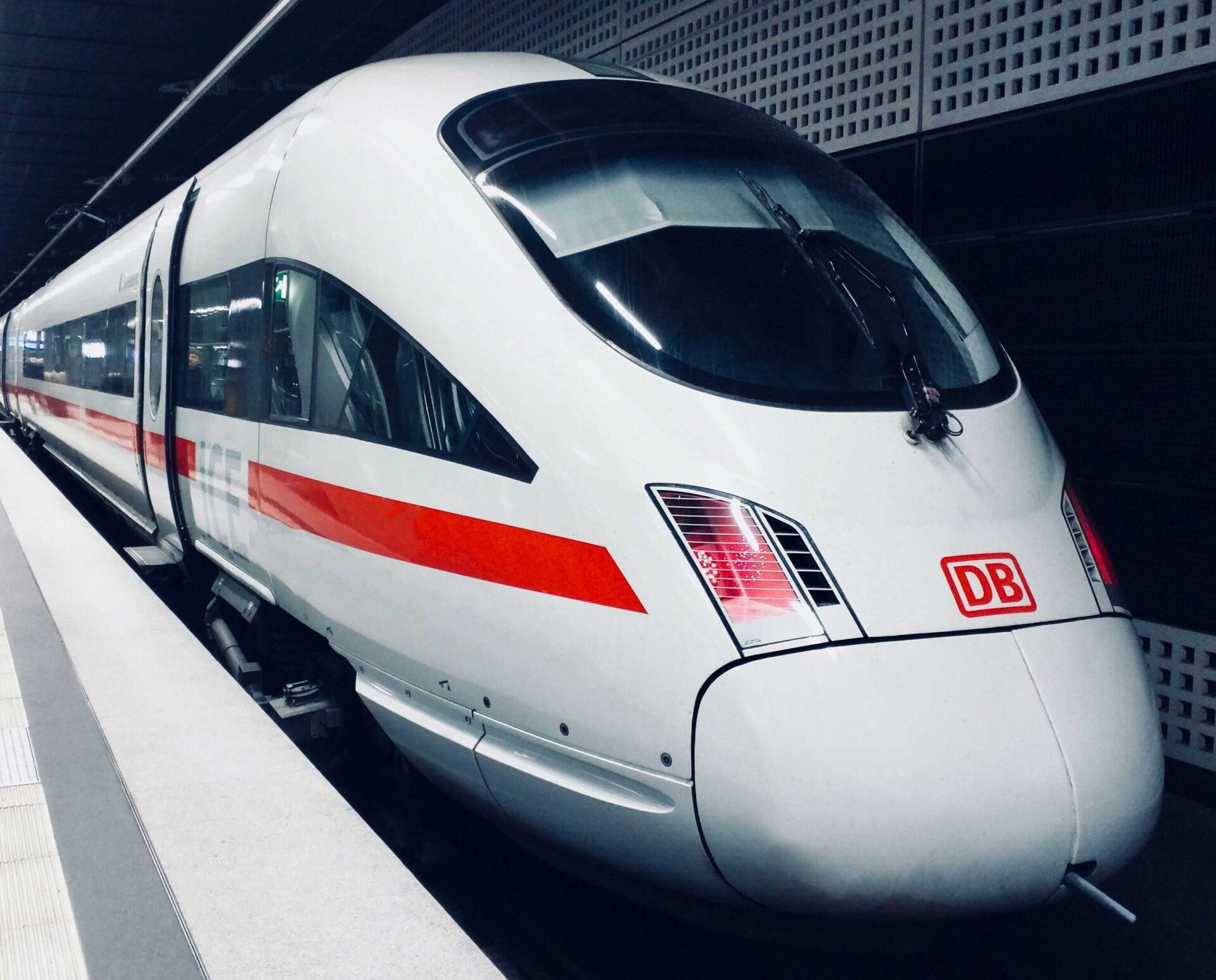 https://www.ccifrance-allemagne.fr/wp-content/uploads/2021/02/train_ICE_Allemagne-scaled.jpg